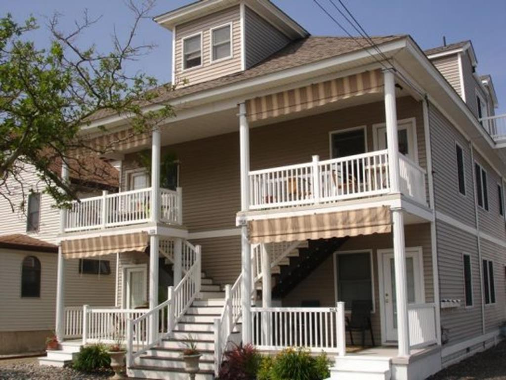 113 EAST 23RD AVENUE - UNIT B - NORTH WILDWOOD SUMMER VACTION RENTALS - Three bedroom, 2.5 bath townhouse located in North Wildwood. Home offers a full kitchen with range, fridge, dishwasher, microwave, disposal, toaster, coffee maker, and blender. Amenities include central a/c, washer/dryer, balcony, gas grill, one car off-street parking and wifi. Bedding: 1 King, 2 Queens, 2 Singles, 1 Queen Sofa Bed; Sleeps 10. North Wildwood Rentals, Wildwood Rentals, Wildwood Crest Rentals and Diamond Beach Rentals in all price ranges for weekly, monthly, seasonal and weekend vacation rentals plus Wildwood real estate sales of homes, condos, vacation and investment properties in and around Wildwood New Jersey. We offer over 400 properties plus exclusive vacation homes so you can book the shore rental of your choice online and guarantee your vacation at the Shore. Rent with confidence at Island Realty Group! Visit www.wildwoodrents.com to book online or call our office at 609.522.4999. Our office at 1701 New Jersey Avenue in North Wildwood is open 7 days a week!
