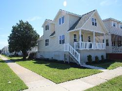 1401 NEW YORK AVENUE - NORTH WILDWOOD SUMMER RENTAL ON THE QUIET BAY SIDE! Newly renovated single family home located in North Wildwood. Home offers a full kitchen with range, fridge, dishwasher, disposal, microwave, toaster, coffeemaker. Home sleeps 14! Two first floor bedroom each have a queen bed, second floor loft has a full bed and 4 bunks (8 twin). Large back deck, gas bbq, central a/c, enclosed outside shower, washer/dryer, wifi, and 4 car driveway parking! Great for a large family gathering!