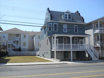 216 EAST MAPLE AVENUE, WILDWOOD SUMMER VACATION RENTAL - Brand new! 3 bedroom, one bath vacation home! Two blocks to the beach and the boardwalk, and located close to Morey s Pier! Full kitchen has range, fridge, dishwasher, disposal, toaster, coffeemaker and microwave. Amenities include central a/c, washer/dryer, large deck, gas grill, and 2 car, outside shower, off street parking. Sleeps 8; 2 queen, full/twin bunk, and full sleep sofa.