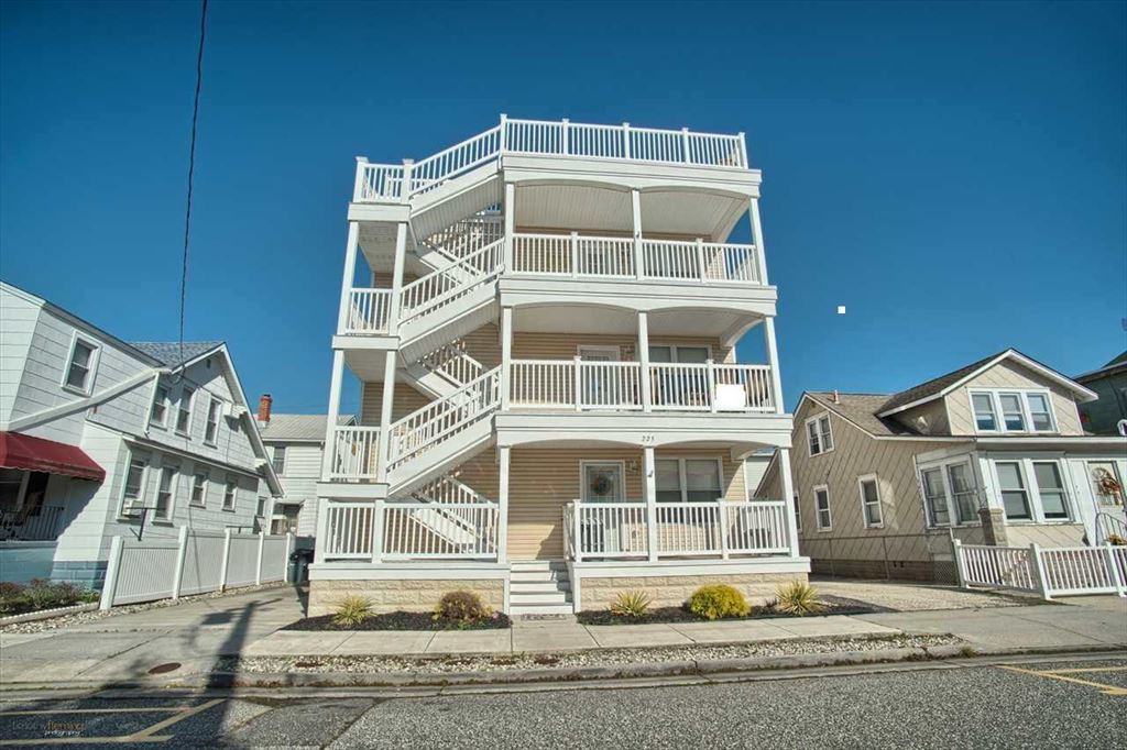 225 EAST JUNIPER AVENUE #201S - WILDWOOD RENTALS - Three bedroom, two bath located 2 blocks to the beach and boardwalk. Home has a full kitchen with range, fridge, dishwasher, microwave, blender, toaster, and coffeemaker. Sleeps 7; queen, full, 3 twin. Amenities include central a/c, washer/dryer, wifi, balcony, 2 car off street parking. Centrally located, and close to Morey's Piers. Wildwood Rentals, North Wildwood Rentals, Wildwood Crest Rentals and Diamond Beach Rentals in all price ranges for weekly, monthly, seasonal and weekend vacation rentals plus Wildwood real estate sales of homes, condos, vacation and investment properties in and around Wildwood New Jersey. We offer over 400 properties plus exclusive vacation homes so you can book the shore rental of your choice online and guarantee your vacation at the Shore. Rent with confidence at Island Realty Group!