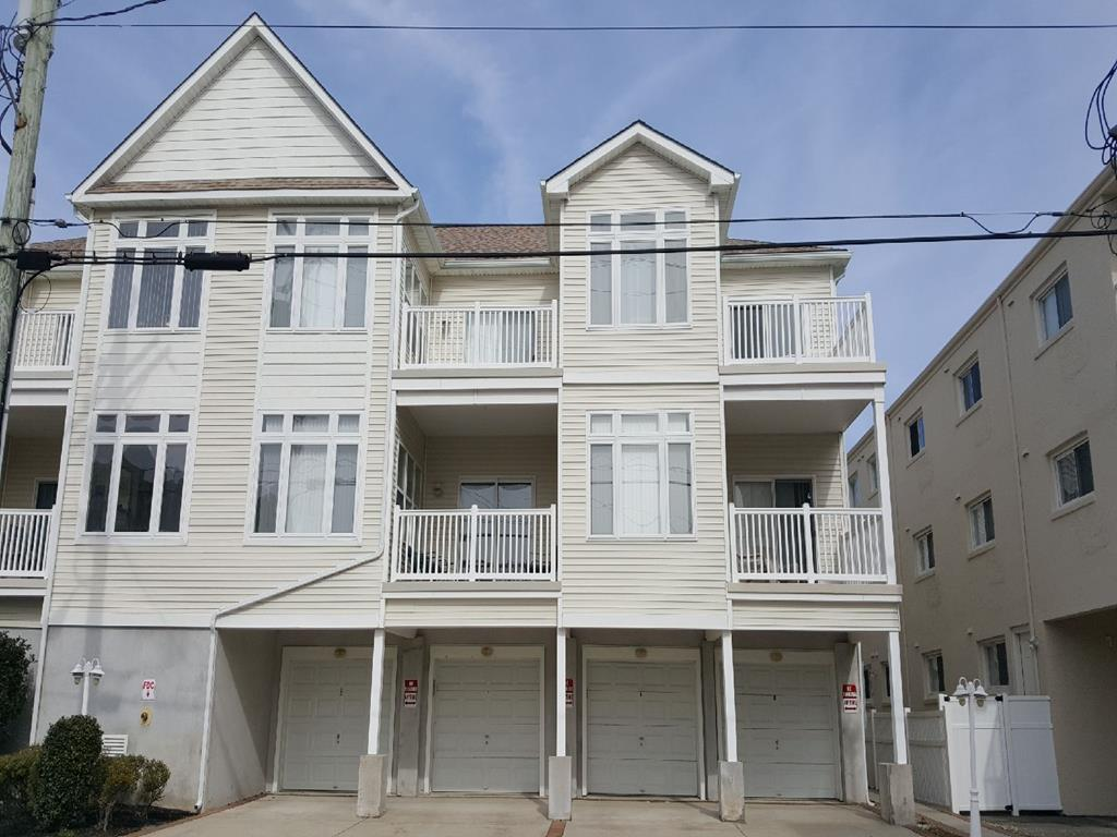 229 EAST PINE AVENUE – UNIT #102 – WILDWOOD SUMMER VACARTION RENTALS - Three bedroom, two bath vacation home located between amusement piers in Wildwood. Home has a full kitchen with range, fridge, dishwasher, icemaker, disposal, microwave, toaster and coffeemaker. Amenities include central a/c, ceiling fans, outside shower, 2 car off street parking balcony and wifi. Sleeps 7, king, queen, full & twin. Wildwood Rentals, North Wildwood Rentals, Wildwood Crest Rentals and Diamond Beach Rentals in all price ranges for weekly, monthly, seasonal and weekend vacation rentals plus Wildwood real estate sales of homes, condos, vacation and investment properties in and around Wildwood New Jersey. We offer over 400 properties plus exclusive vacation homes so you can book the shore rental of your choice online and guarantee your vacation at the Shore. Rent with confidence at Island Realty Group!