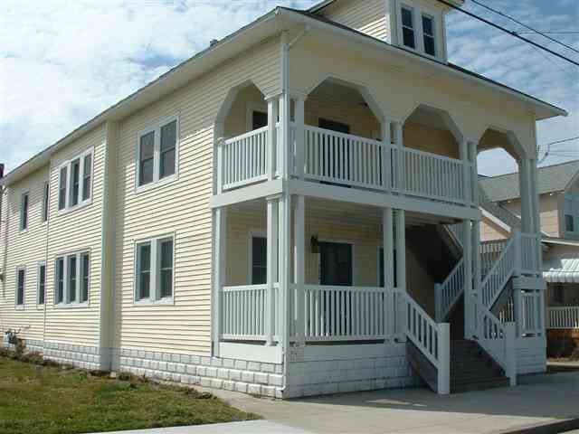Wildwood Rental at 230 East Juniper Avenue Unit A - Three bedroom, 1.5 bath located in Wildwood 2 blocks from the beach and boardwalk. Vacation home has a full kitchen with range, fridge, microwave, dishwasher, coffeemaker, blender, toaster, disposal. Amenities include central a/c, washer/dryer, gas grill, outdoor shower, 1 car parking in the driveway. Sleeps 8; 2 queen,2 twin, queen sleep sofa.