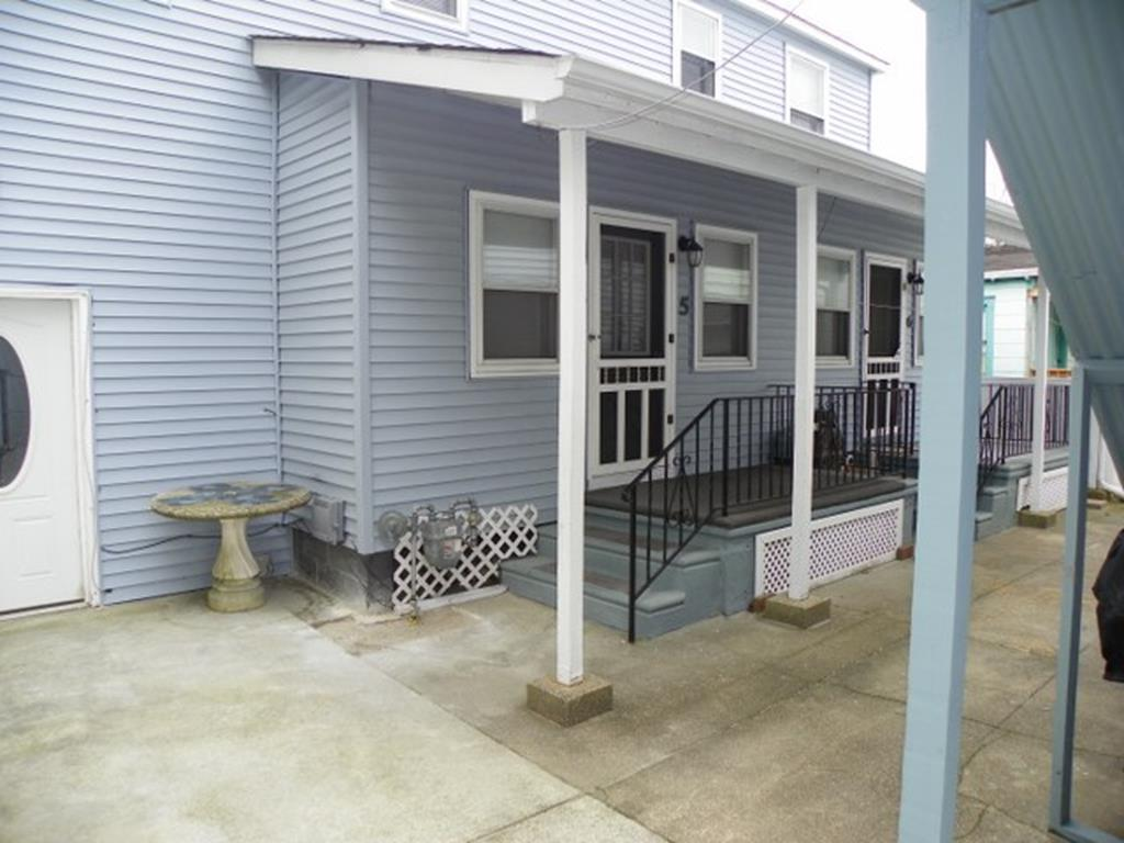 238 EAST MONTGOMERY AVENUE – UNIT 5 - WILDWOOD MONTHLY & SEASONAL SUMMER VACATION RENTALS at WILDWOODRENTS.COM - Three bedroom, one bath cottage located 2 blocks from the beach and boardwalk. Home has a full kitchen with range, fridge, microwave, toaster, coffee maker. Sleeps 6: 3 full. Amenities include window a/c, ceiling fans, outdoor shower, gas bbq, wifi, and deck. Wildwood Rentals, North Wildwood Rentals, Wildwood Crest Rentals and Diamond Beach Rentals in all price ranges for weekly, monthly, seasonal and weekend vacation rentals plus Wildwood real estate sales of homes, condos, vacation and investment properties in and around Wildwood New Jersey. We offer over 400 properties plus exclusive vacation homes so you can book the shore rental of your choice online and guarantee your vacation at the Shore. Rent with confidence at Island Realty Group! Visit www.wildwoodrents.com to book online or call our office at 609.522.4999. Our office at 1701 New Jersey Avenue in North Wildwood is open 7 days a week!