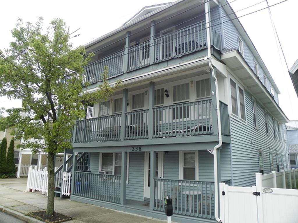238 EAST MONTGOMERY AVENUE – UNIT 1 - WILDWOOD SEASONAL SUMMER VACATION RENTALS at WILDWOODRENTS.COM - Efficiency with fridge, microwave, toaster and coffeemaker. Sleeps 2; queen bed. Amenities include window a/c, wifi, and gas bbq. Wildwood Rentals, North Wildwood Rentals, Wildwood Crest Rentals and Diamond Beach Rentals in all price ranges for weekly, monthly, seasonal and weekend vacation rentals plus Wildwood real estate sales of homes, condos, vacation and investment properties in and around Wildwood New Jersey. We offer over 400 properties plus exclusive vacation homes so you can book the shore rental of your choice online and guarantee your vacation at the Shore. Rent with confidence at Island Realty Group! Visit www.wildwoodrents.com to book online or call our office at 609.522.4999. Our office at 1701 New Jersey Avenue in North Wildwood is open 7 days a week!