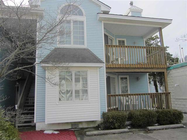 302 East Poplar Avenue D in Wildwood - Two bedroom, two bath vacation home located in Wildwood close to Morey s Piers! Home has a full kitchen with fridge, range, dishwasher, microwave, disposal, coffeemaker, and toaster. Sleeps 6; queen, two twin, full sleep sofa. Amenities include central a/c, shared washer/dryer, balcony, wifi and 2 car off street parking!