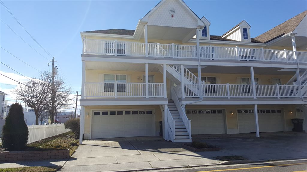 3104 OCEAN AVENUE UNIT F – WILDWOOD SUMMER RENTALS - Three bedroom, two bath vacation home centrally located in the heart of the island. Home offers a full kitchen with range, fridge, dishwasher, disposal, microwave, toaster, coffeemaker, blender. Sleeps 8; 2 queen, 2 twin, and queen sleep sofa. Amenities include: central a/c, washer/dryer, balcony, outside shower, 2 car off street parking. Wildwood Rentals, North Wildwood Rentals, Wildwood Crest Rentals and Diamond Beach Rentals in all price ranges for weekly, monthly, seasonal and weekend vacation rentals plus Wildwood real estate sales of homes, condos, vacation and investment properties in and around Wildwood New Jersey. We offer over 400 properties plus exclusive vacation homes so you can book the shore rental of your choice online and guarantee your vacation at the Shore. Rent with confidence at Island Realty Group!