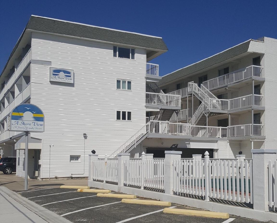 505 EAST 4TH AVENUE - A SHORE VIEW CONDOS  #425 - NORTH WILDWOOD SUMMER VACATION RENTALS QWITH POOLS - One bedroom, one bath condo located at A Shore View in North Wildwood. Kitchen has a stovetop, fridge, microwave, coffeemaker and toaster. Amenities include pool, balcony, 1 car off street parking, gas bbq, wall a/c, ceiling fans and wifi. Occupancy for 4; 2 full and full sleep sofa. North Wildwood Rentals, Wildwood Rentals, Wildwood Crest Rentals and Diamond Beach Rentals in all price ranges for weekly, monthly, seasonal and weekend vacation rentals plus Wildwood real estate sales of homes, condos, vacation and investment properties in and around Wildwood New Jersey. We offer over 400 properties plus exclusive vacation homes so you can book the shore rental of your choice online and guarantee your vacation at the Shore. Rent with confidence at Island Realty Group! Visit www.wildwoodrents.com to book online or call our office at 609.522.4999. Our office at 1701 New Jersey Avenue in North Wildwood is open 7 days a week!