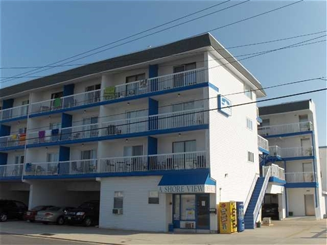 A SHORE VIEW CONDOS - 505 EAST 4TH AVENUE #210 - Studio unit with 1 full bath sleeps 4. Kitchenette with cooktop, full fridge, microwave and coffee maker. Amenities include high speed internet, elevator, expansive sundeck, off-street parking and huge pool. Located steps from the beachblock in North Wildwood. 2 Double Beds. North Wildwood Rentals, Wildwood Rentals, Wildwood Crest Rentals and Diamond Beach Rentals in all price ranges for weekly, monthly, seasonal and weekend vacation rentals plus Wildwood real estate sales of homes, condos, vacation and investment properties in and around Wildwood New Jersey. We offer over 400 properties plus exclusive vacation homes so you can book the shore rental of your choice online and guarantee your vacation at the Shore. Rent with confidence at Island Realty Group!