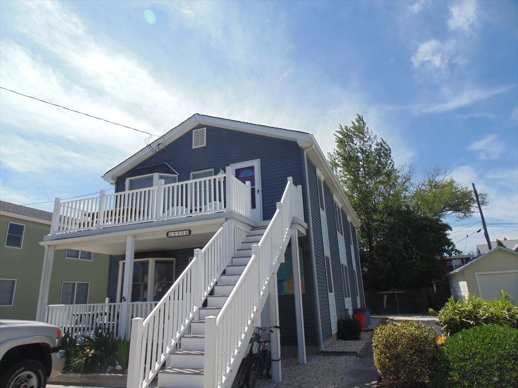 5508 PACIFIC AVENUE – UNIT B – WILDWOOD SUMMER RENTALS – 3 bedroom 2 bath unit located only 2 blocks to the beach in Wildwood. Full kitchen, living room, washer/dryer, deck, yard and outside shower. Sleeps 8. 1 Queen, 1 Double, 2 Singles and 1 Queen Sleep Sofa. Wildwood Rentals, North Wildwood Rentals, Wildwood Crest Rentals and Diamond Beach Rentals in all price ranges for weekly, monthly, seasonal and weekend vacation rentals plus Wildwood real estate sales of homes, condos, vacation and investment properties in and around Wildwood New Jersey. We offer over 400 properties plus exclusive vacation homes so you can book the shore rental of your choice online and guarantee your vacation at the Shore. Rent with confidence at Island Realty Group!